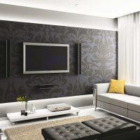 viļņotas tumšas tapetes guļamistabas attēla interjerā