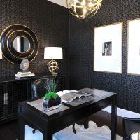 skaistas tumšas tapetes viesistabas foto stilā