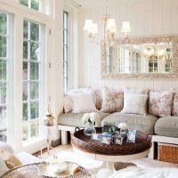 gaiša franču stila viesistabas interjera foto