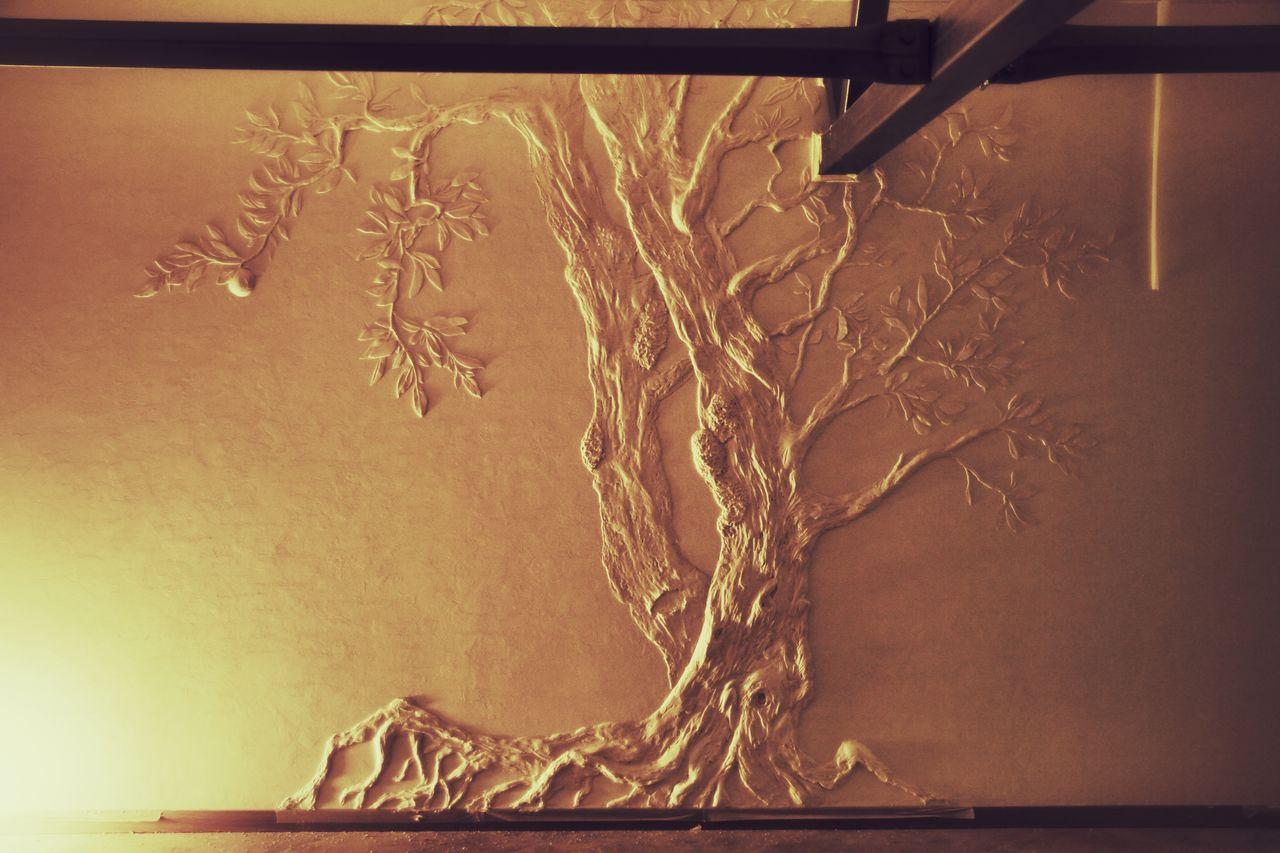 gaiša koridora dizains ar bareljefu