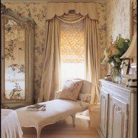skaists guļamistabas interjers franču stila fotoattēlā