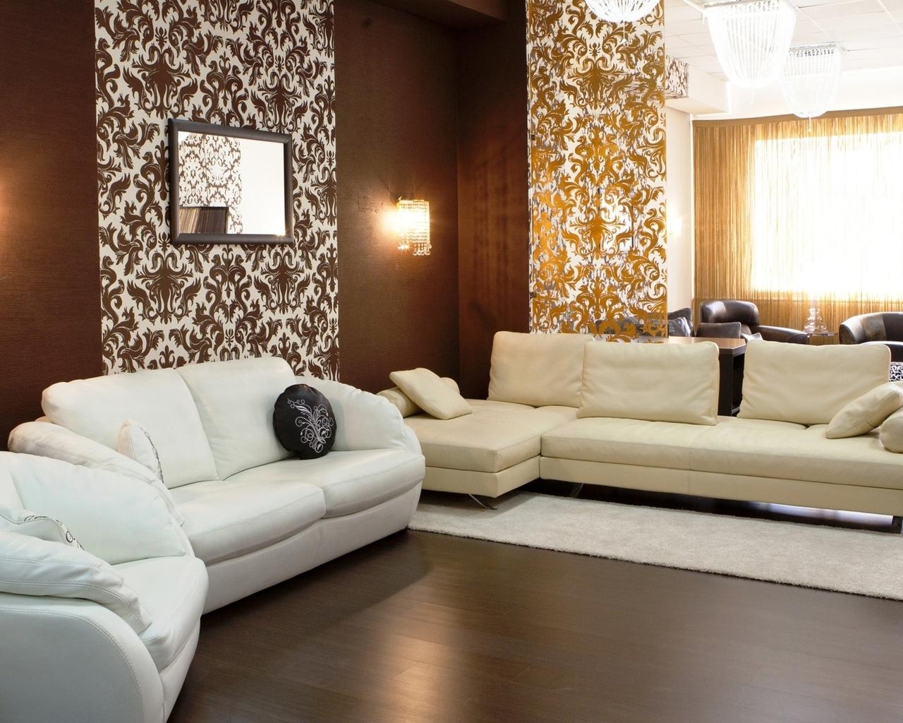 košs viesistabas dekors šokolādes krāsā