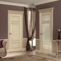 gaišs guļamistabas stila durvju attēls