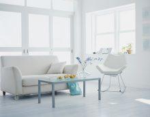 ryškios baltos grindys virtuvės paveikslo interjere