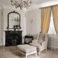 skaists franču stila viesistabas dekoru attēls