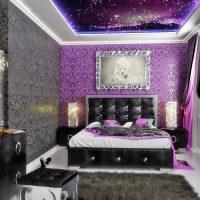 prašmatnus dizaino kambarys art deco stiliaus nuotraukoje