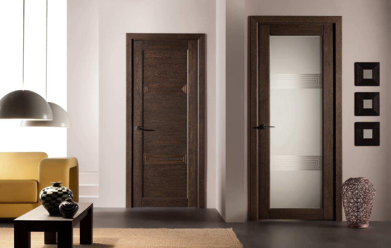 tumšas guļamistabas durvis