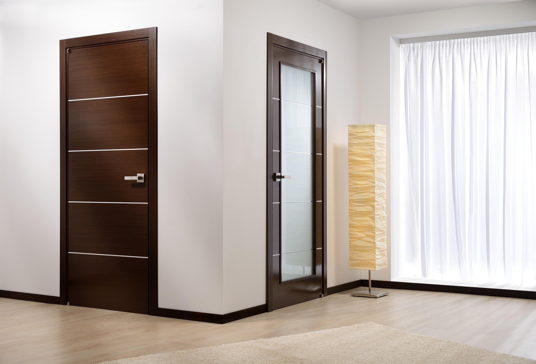 tumšas durvis guļamistabas dizainā