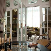 skaists dzīvokļa dekors franču stila fotoattēlā