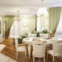 skaists koridora dekors franču stila attēlā