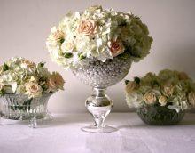fleurs fraîches à l'intérieur de la photo de l'appartement