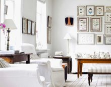 baltas sienas koridora stilā minimālisma foto stilā