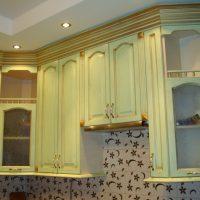 spilgta pistāciju krāsa guļamistabas foto stilā