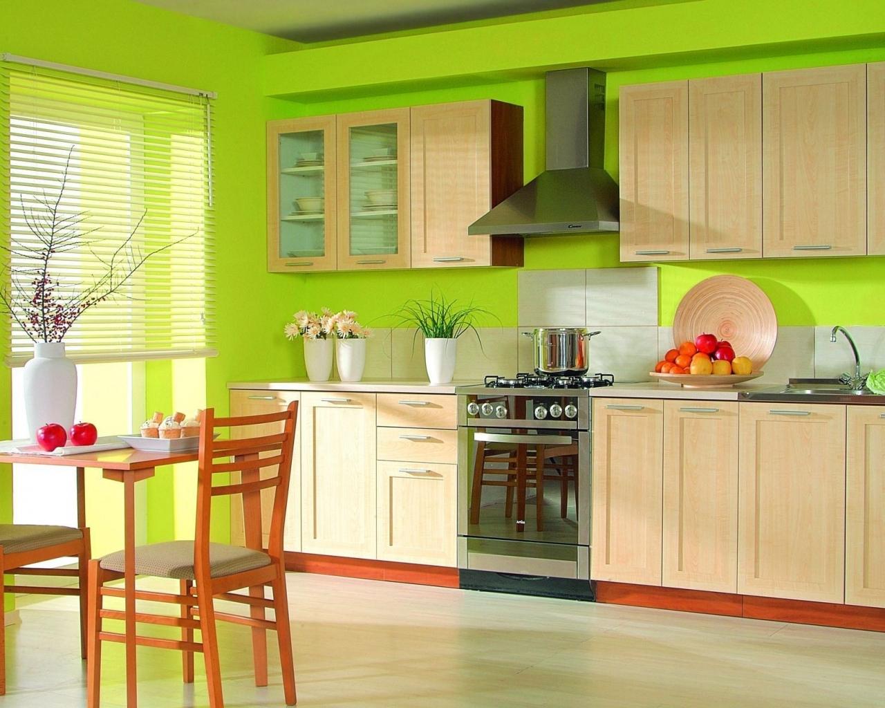 neparasta pistāciju krāsa virtuves dekorā