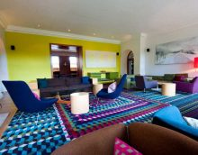 prašmatnus gyvenamojo kambario dekoras boho nuotraukos stiliumi