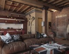 intérieur inhabituel de la salle dans le style d'un loft photo