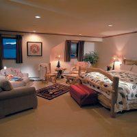 mājīgs neparasta stila dzīvokļa foto