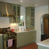 koša pistāciju krāsa virtuves foto interjerā