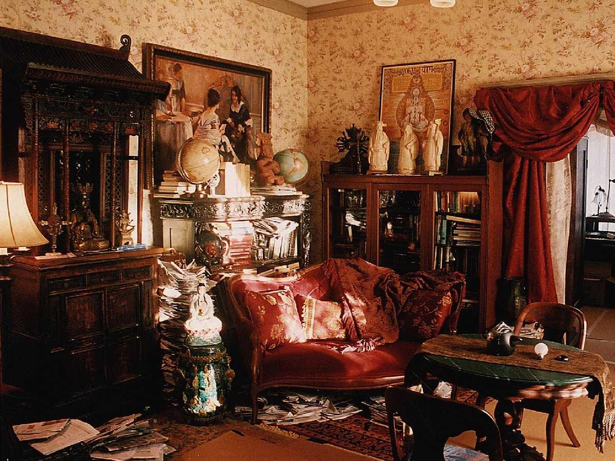 neparasts Viktorijas laikmeta stila viesistabas dekors