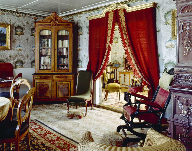 skaists Viktorijas laika stila mājas interjers