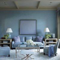 gaišs guļamistabas interjers zilā krāsā