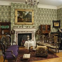 tumšā viktoriāņu stila istabas interjera foto