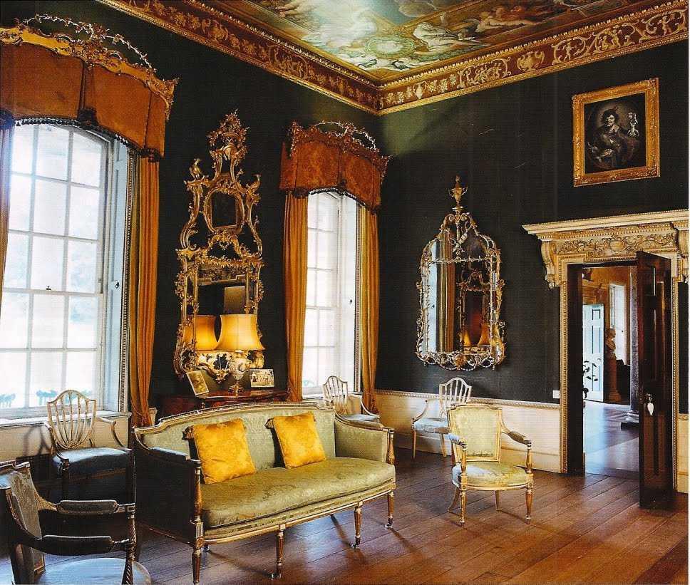 skaists Viktorijas laikmeta guļamistabas interjers