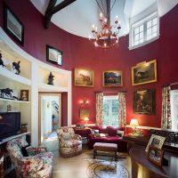 Viktorijas laika stila dzīvokļa interjera foto