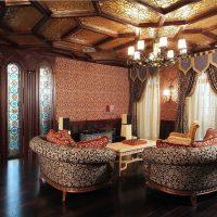 skaista istabas fasāde austrumu stila attēlā