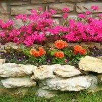 conception inhabituelle d'une conception de chalet d'été avec photo de fleurs
