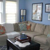 skaists istabas dekors zilā krāsā