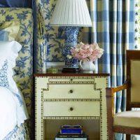 skaists guļamistabas dizains zilā attēlā