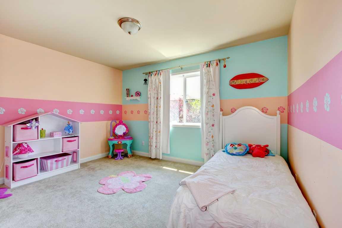 tumši rozā mājas dekoru kombinācija ar citām krāsām