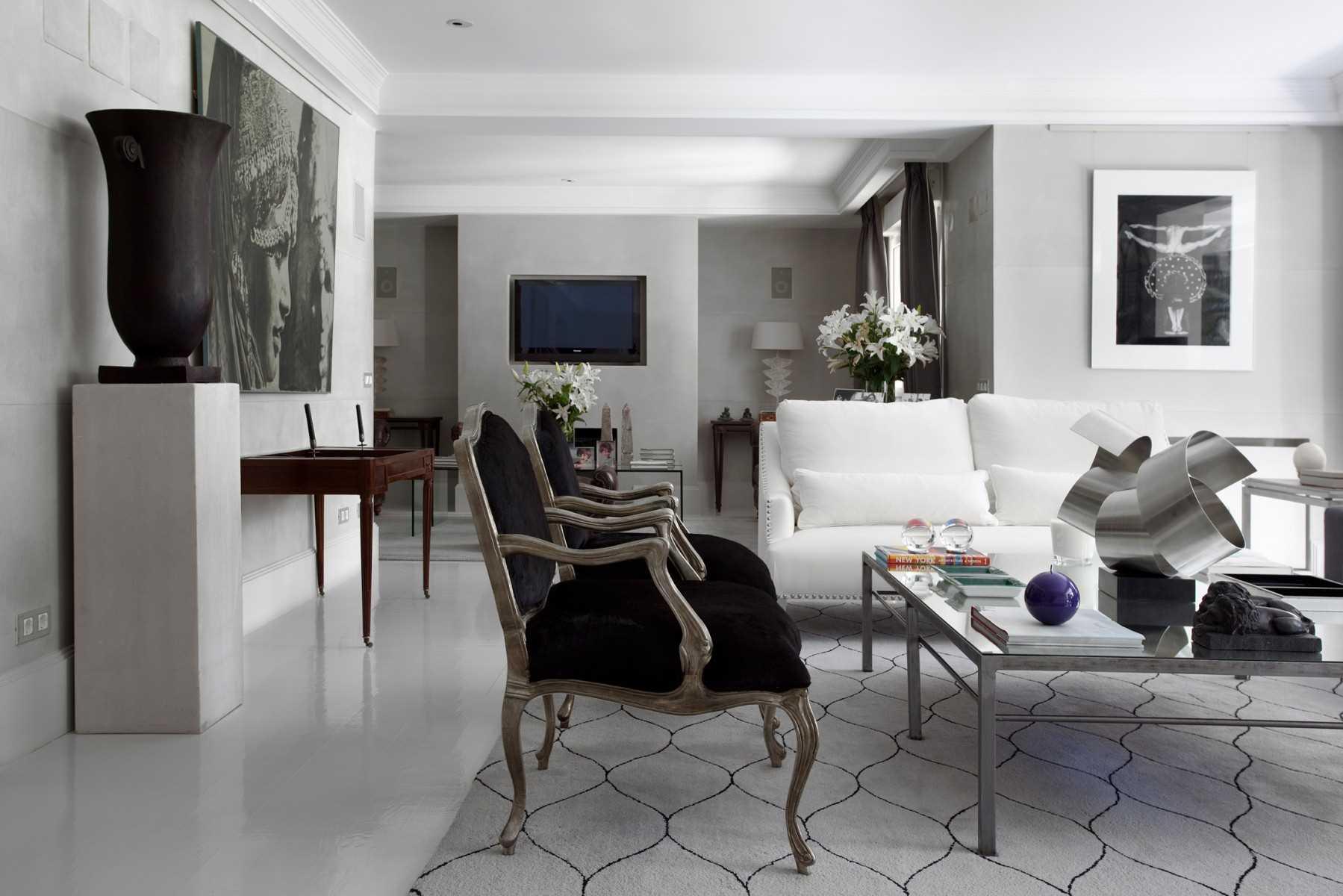 kombinacija svijetlo sive boje u dekoru kuće