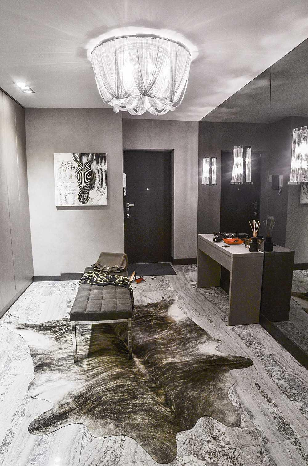 kombinacija svijetlo sive boje u dizajnu spavaće sobe