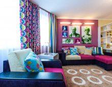 spilgtu krāsu kombinācija dzīvojamās istabas foto noformējumā