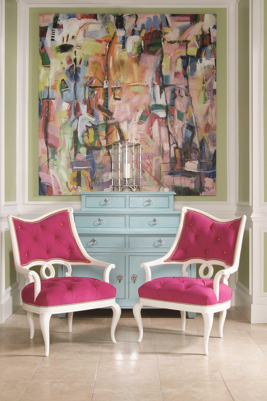 tumši rozā kombinācija viesistabas stilā ar citām krāsām