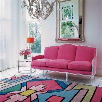 tumši rozā kombinācija dzīvokļa stilā ar citu krāsu foto