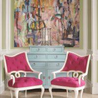 tumši rozā krāsas kombinācija viesistabas stilā ar citām fotoattēla krāsām