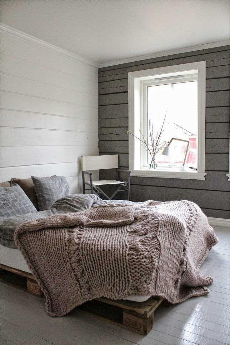 kombinacija tamno sive boje u dizajnu spavaće sobe
