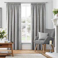 kombinacija tamno sive boje u dizajnu slike stana