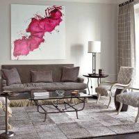 kombinacija svijetlo sive boje u dekoru slike dnevne sobe