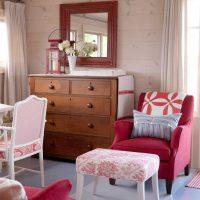 spilgti rozā kombinācija viesistabas stilā ar citu krāsu attēlu