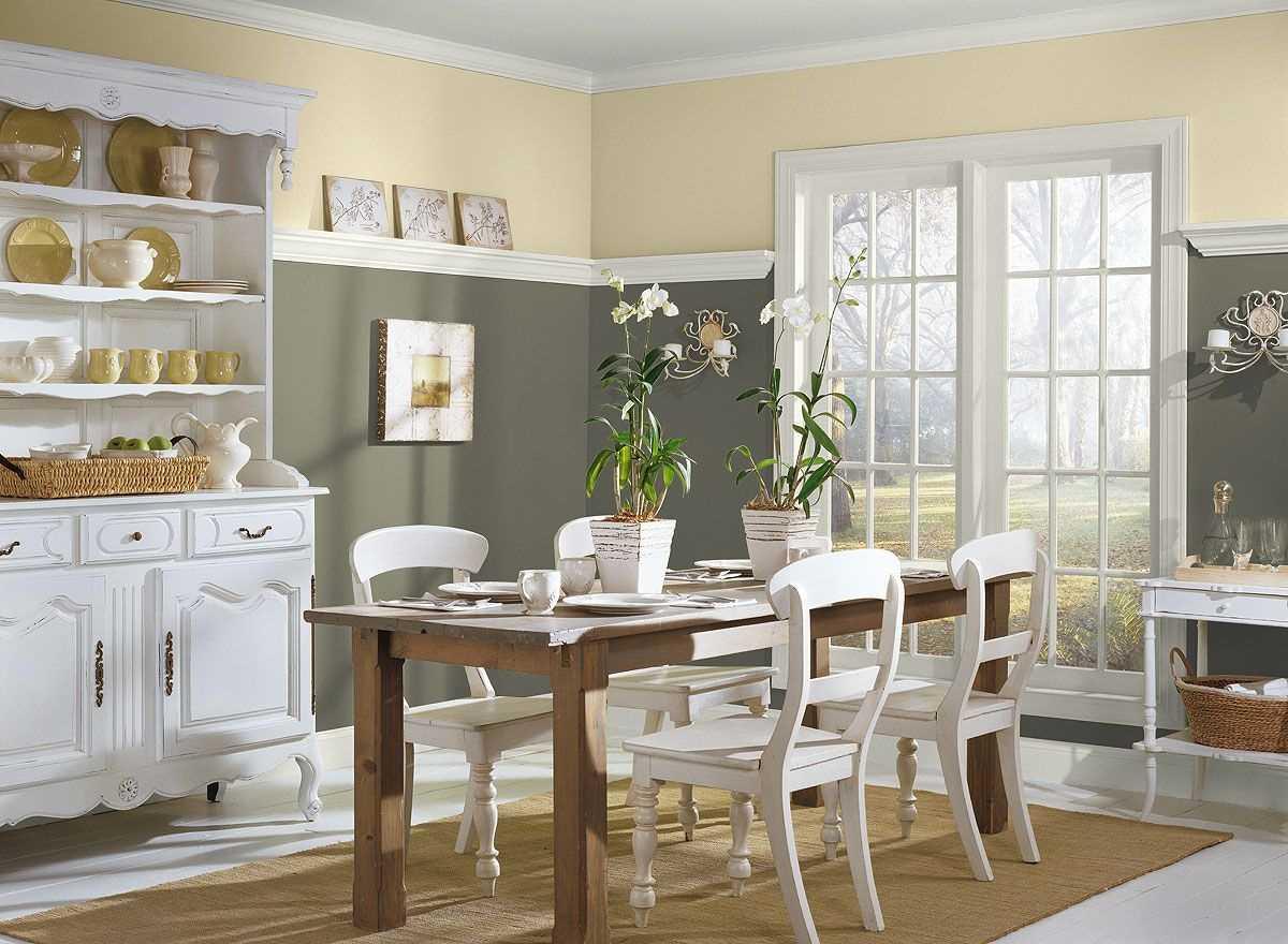 kombinacija svijetlo sive boje u dizajnu kuće