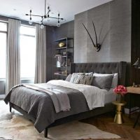 kombinacija tamno sive boje u dizajnu fotografije stana