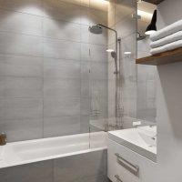 kombinacija svijetlo sive boje u dekoru fotografije stana