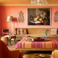 moderns interjera dzīvoklis austrumu stila attēlā