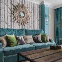 gaišs dzīvokļa interjers zilā krāsā