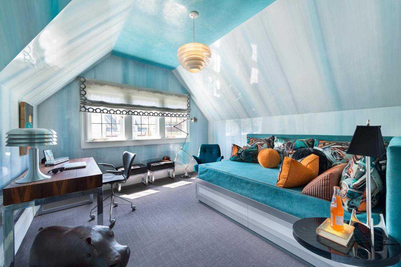 oriģināls guļamistabas dizains zilā krāsā