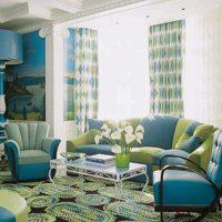 gaišs istabas dekors zilā fotoattēlā